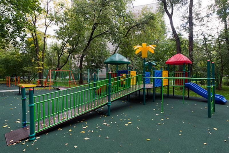 Гражданин Ижевска изнасиловал иобокрал женщину прямо надетской площадке