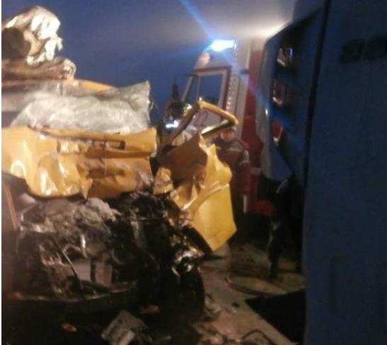 Смертельное ДТП вМожгинском районе: столкнулись микроавтобус игрузовой автомобиль