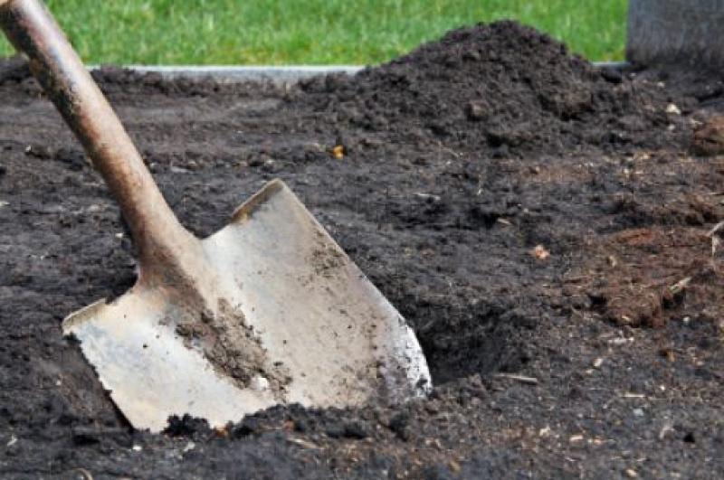 На ижевском кладбище в могиле нашли тело девушки, пропавшей два месяца назад