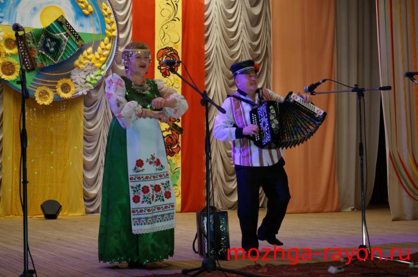 Праздник гармонистов «Сергей Крутихин собирает друзей» прошел в Можгинском районе