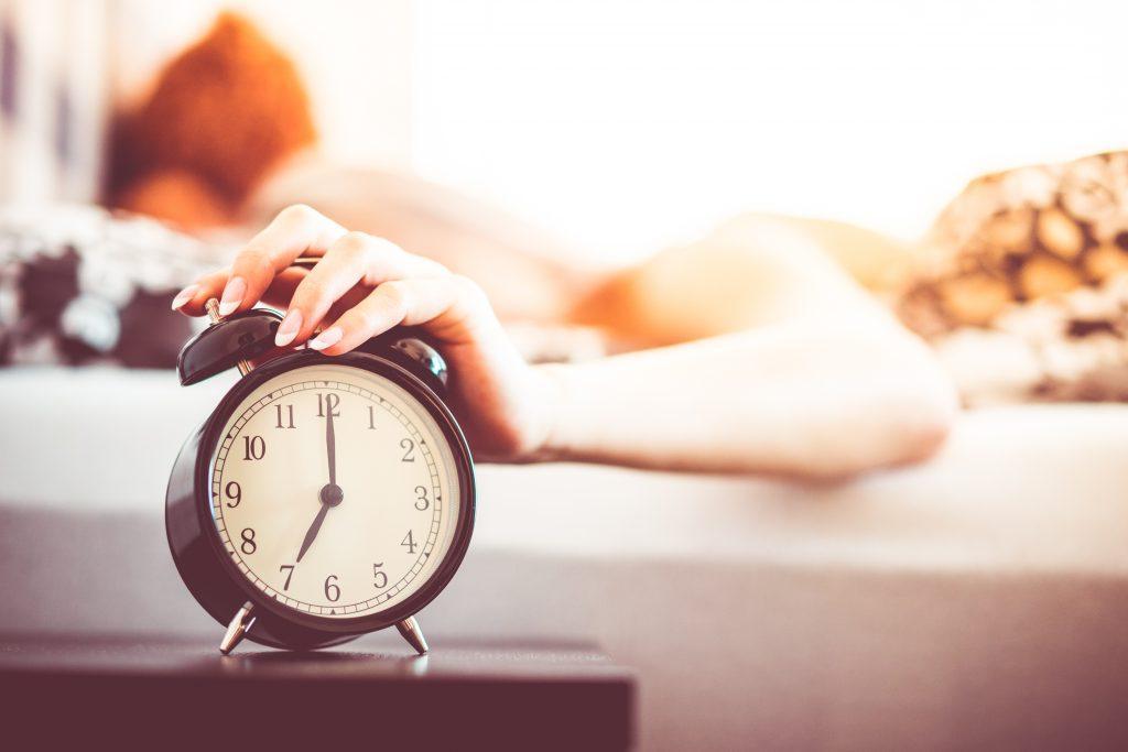 Как научиться вставать раньше