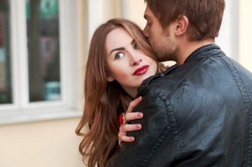 Техники обольщения: Как женщина соблазняет мужчину в зависимости от ее Знака Зодиака?
